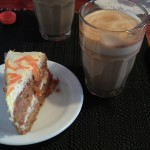 Latte och Morotskaka på Cafe Rosenhill